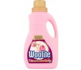 Woolite Delicate & Wool tekutý prací prostriedok na jemnú bielizeň a vlnené oblečenie 15 dávok 0,9 l