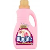 Woolite Delicate & Wool tekutý prací prostředek na jemné prádlo a vlněné oblečení 15 dávek 0,9 l