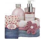 Bohemia Gifts & Cosmetics Rosarium s extraktmi z šípok a kvetov ruže sprchový gél 250 ml + šampón 200 ml + pena do kúpeľa 500 ml + látkový košík, Ružové snívanie kozmetická sada
