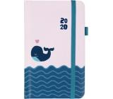 Albi Diár 2020 vreckový s gumičkou Veľryba 15 x 9,5 x 1,3 cm