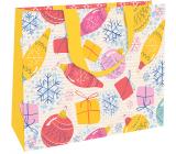 Nekupto Darčeková papierová taška s razbou 30 x 23 x 12 cm Vianočná biela s ozdobami WLFL 1995