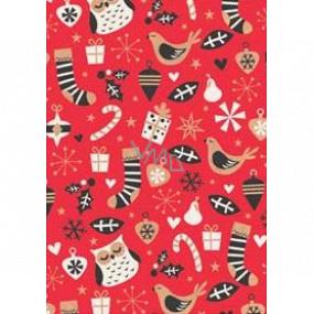 Ditipo Darčekový baliaci papier 70 x 200 cm Vianočný KRAFT červený sovy ponožky darčeky