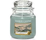 Yankee Candle Misty Mountains - Mlžné hory vonná svíčka Classic střední sklo 411 g