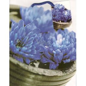 Nekupto Darčeková papierová taška 23 x 18 x 10 cm Modré kvety 1 kus 758 40 BM