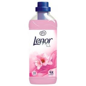 Lenor Floral Romance aviváž 31 dávok 930 ml