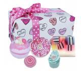 Bomb Cosmetics Sweet Illusion šumivý balistik do kúpeľa 2 x 160 g + glycerínové mydlo 100 g + špalíček do kúpeľa 50 g + maslová gulička, kozmetická sada