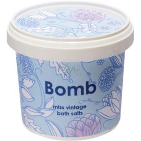Bomb Cosmetics Zamatový ročník - Vintage Velva soľ do kúpeľa 365 ml