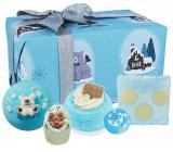 Bomb Cosmetics Shake Up Christmas šumivý balistik do kúpeľa 2 x 160 g + glycerínové mydlo 100 g + maslová gulička 30 g + špalíček do kúpeľa 50 g, kozmetická sada
