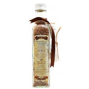 Bohemia Gifts & Cosmetics Škorica a Agát s afrodiziakálne vôňou bylinná soľ do koupeles filtračným vreckom 260 g sklenený obal
