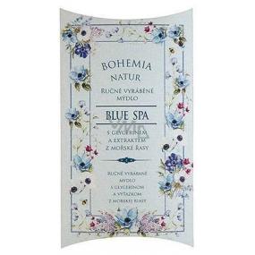 Bohemia Gifts & Cosmetics Blue Spa s glycerínom extraktom z morskej riasy ručne vyrobené toaletné mydlo v papierovej krabičke 100 g