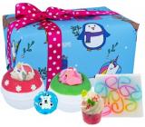 Bomb Cosmetics Crazy Christmas šumivý balistik do kúpeľa 2 x 160 g + glycerínové mydlo 100 g + špalíček do kúpeľa 50 g + maslová gulička, kozmetická sada