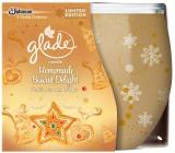Glade by Brise Nut Delight - Pražené oříšky a sladké pralinky vonná svíčka ve skle doba hoření až 30 hodin 120 g