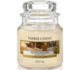 Yankee Candle Winter Wonder - Zimný zázrak vonná sviečka Classic malá sklo 104 g