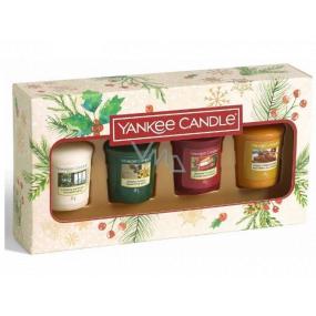 Yankee Candle Magical Christmas Morning Singing Carols - Spievanie kolied + Holiday Hearth - Sviatočné krb + Surprise Snowfall - Snehové prekvapenie + Vanilla French Toast - Francúzsky vanilkový toast vonná sviečka votívny 4 x 49 g, vianočné darčeková sada