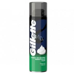 Gillette Classic Mentol pena na holenie pre mužov 300 ml