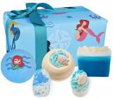 Bomb Cosmetics Part Time Mermaid šumivý balistik do kúpeľa 2 x 160 g + glycerínové mydlo 100 g + špalíček do kúpeľa 2 x 50 g, kozmetická sada