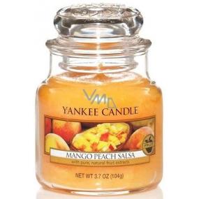 Yankee Candle Mango Peach Salsa - Salsa z manga a broskví vonná svíčka Classic malá sklo 104 g