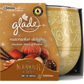 Glade Nut Delight - lískové oříšky, javorový sirup a pražené oříšky vonná svíčka ve skle doba hoření až 30 hodin 120 g