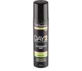 TRESemmé Shine Reviver Day 2 suchý sprej na vlasy v podobe lesku, pre rýchle osvieženie, hydratáciu 100 ml