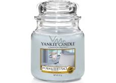 Yankee Candle A Calm & Quiet Place - Klidné a tiché místo vonná svíčka Classic střední sklo 411 g